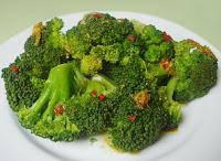 Brócolis com Molho Asiático (vegana)