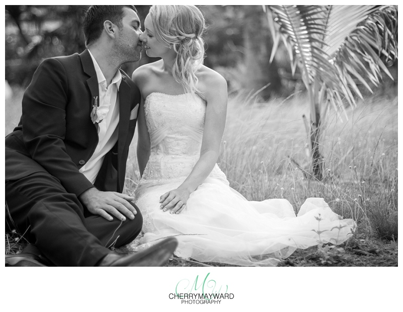 bride and groom portraits, kiss sweet, happy, love, in love, palm trees, Koh Samui Wedding,