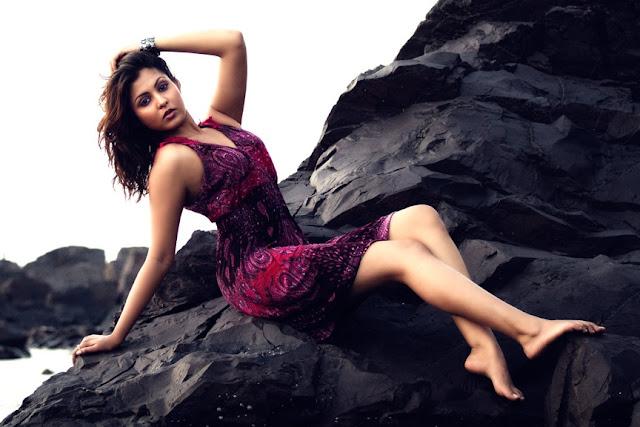 Madhu Shalini sexy Latest photoshoot