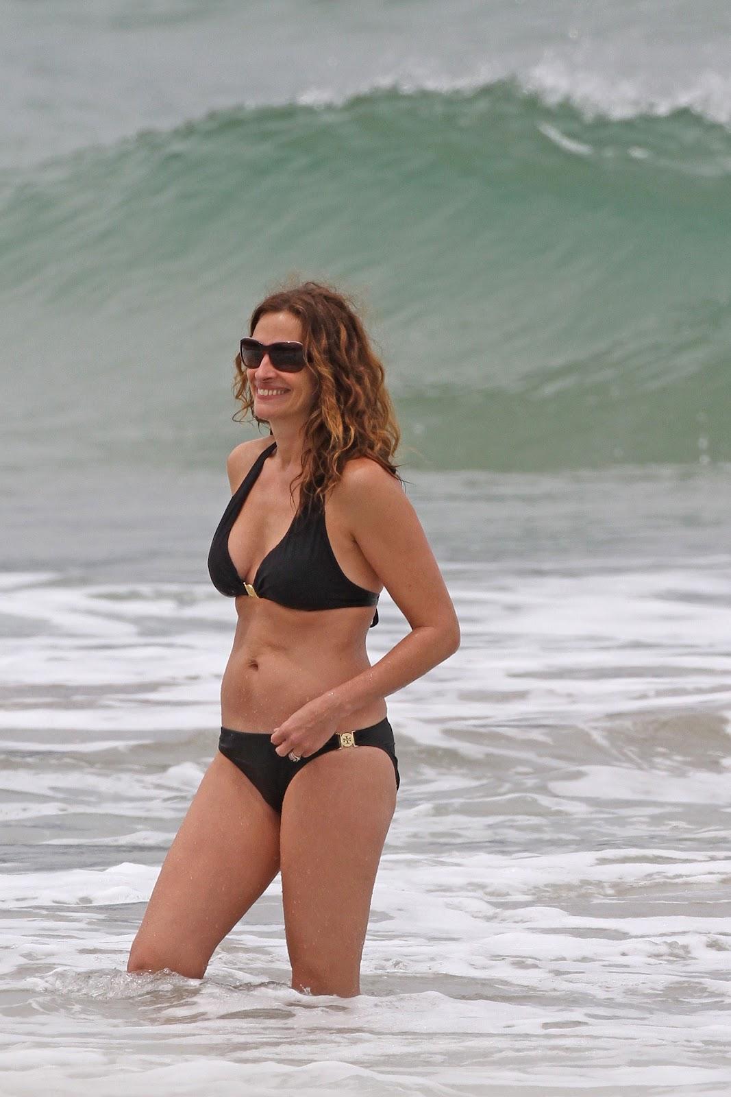 http://3.bp.blogspot.com/-2trPlZgU8RI/T8DssgzekgI/AAAAAAAAHII/QXzIf3GHebc/s1600/+Julia+Roberts+-+Bikini+candids+Hawaii+%252811%2529.jpg