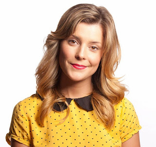 makeup pics Grace Helbig hairstyle clothes