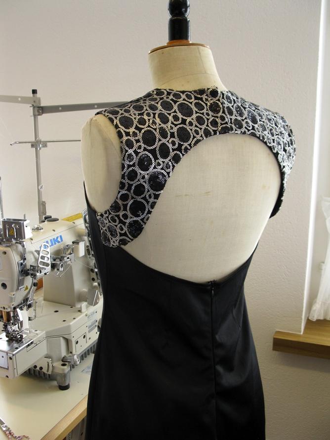 Schnittentwicklung Kleid mit grossem Rückenausschnitt