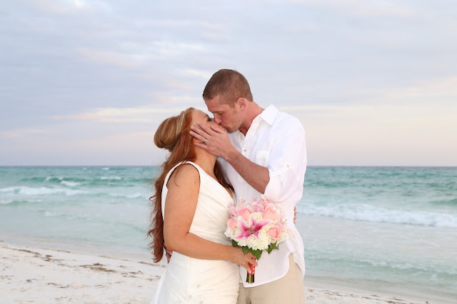 Destin wedding photographer and beach wedding packages Sunshine Wedding Company