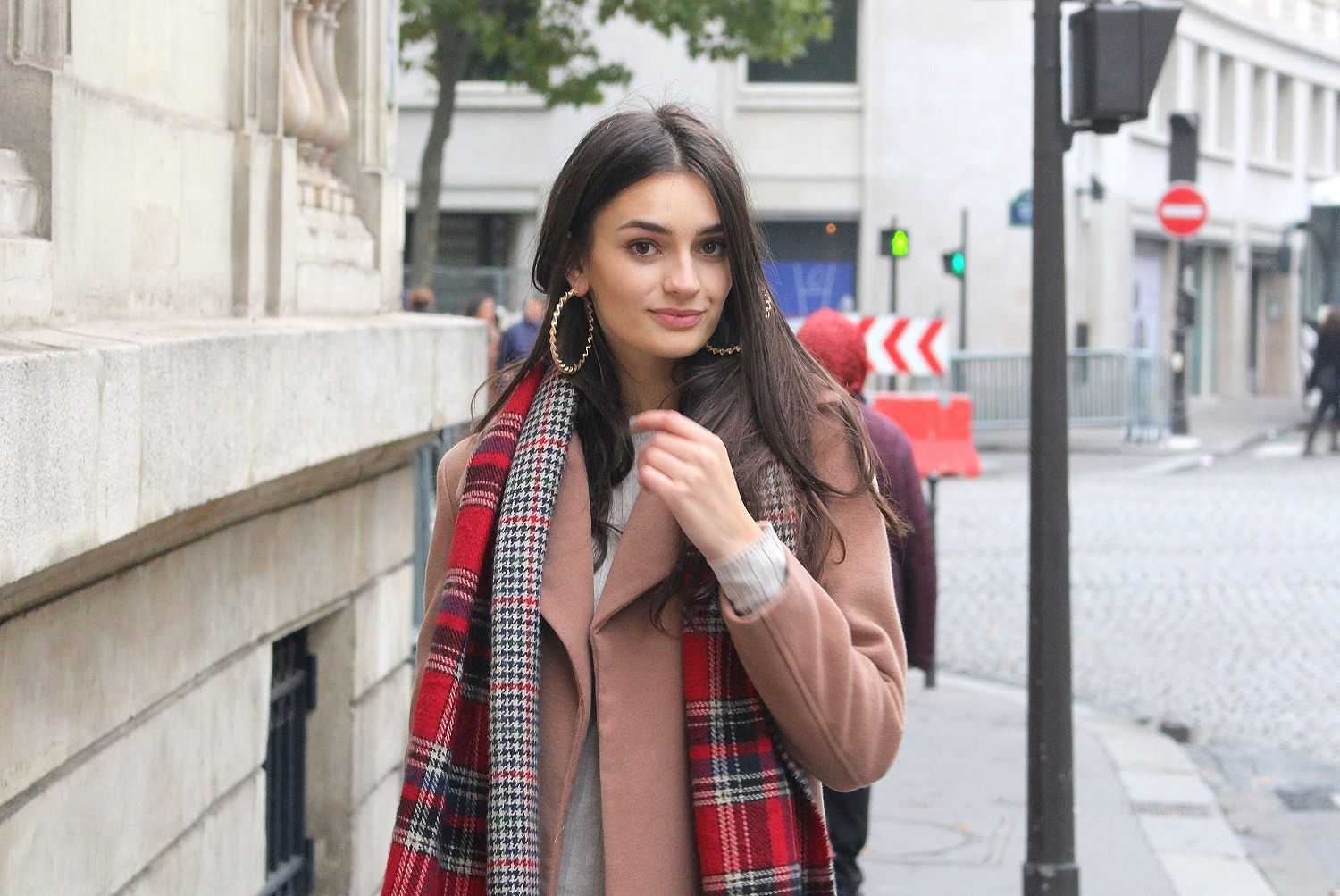 peexo fashion blogger travel outfit in paris