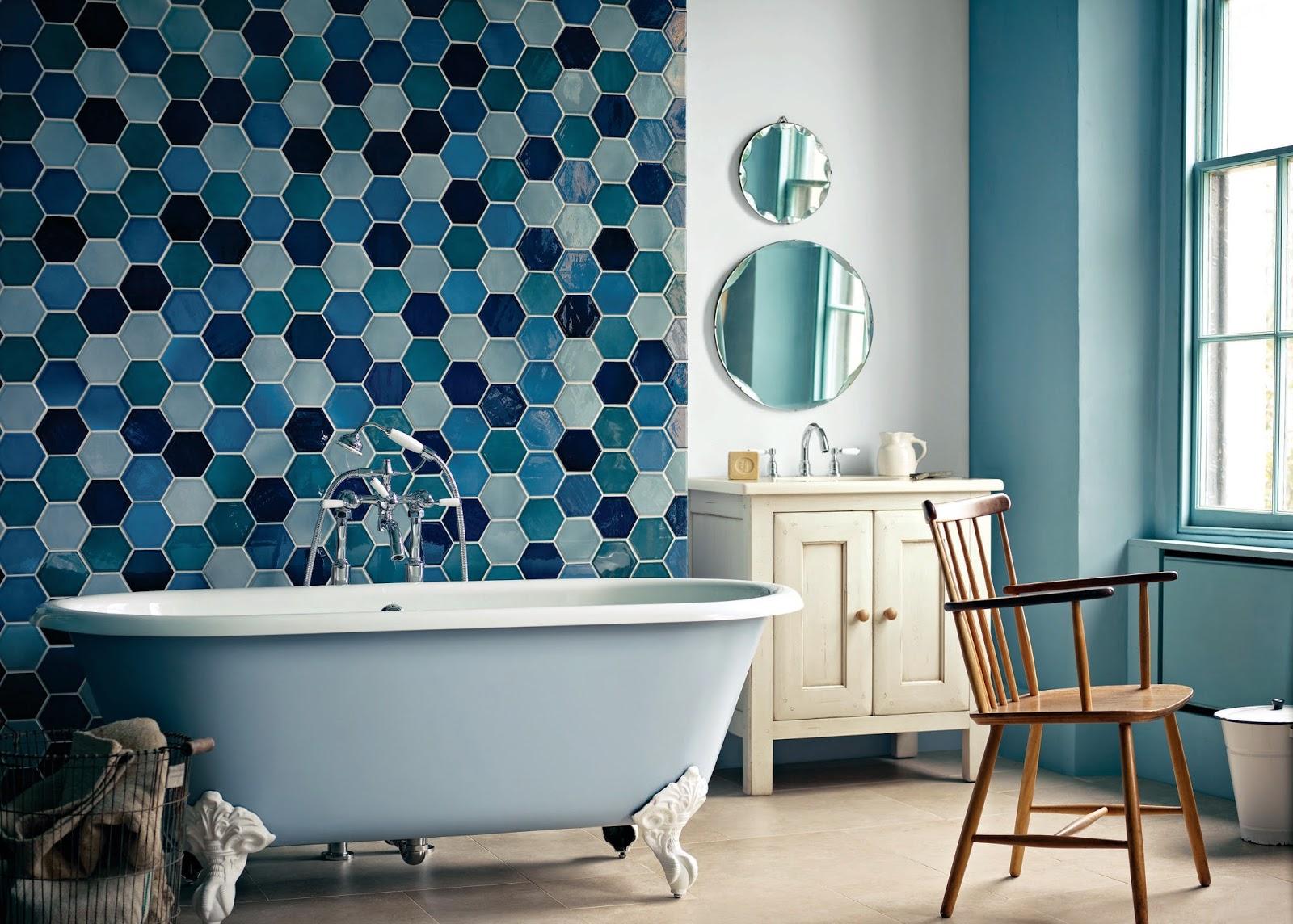 simple la combinacin de azulejos puede ser una forma maravillosa y original de decorar baos vintage with combinacion de azulejos para baos