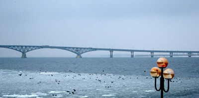 idil nehri volga Saratov Köprüsü