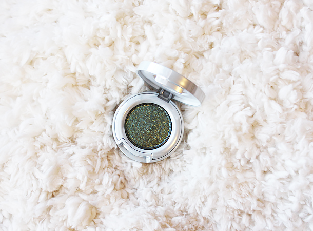 urban decay moondust eyeshadow review swatch makeup look zodiac
