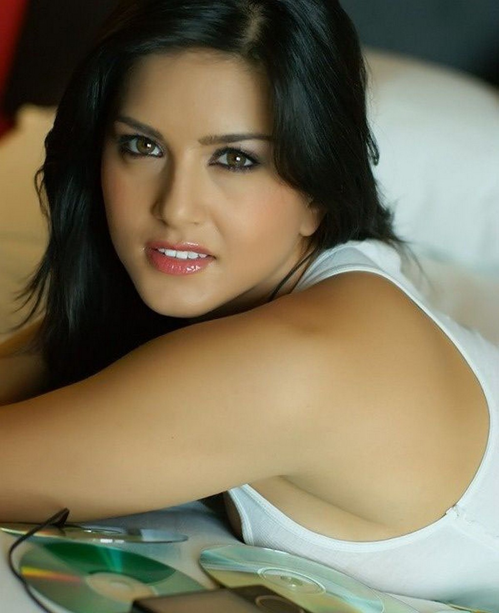 Sunny Leone Beautiful Sooper Hot Pictures