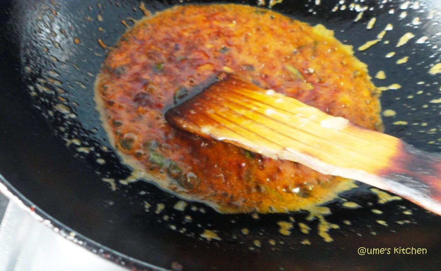 Ume 39 s kitchen tilapia fish curry with raw mango a for What is the best oil to fry fish in