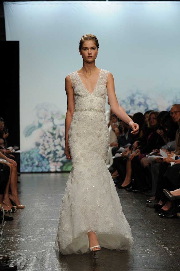 Monique_Lhuillier_Wedding_Dress_Jeweled_Belt