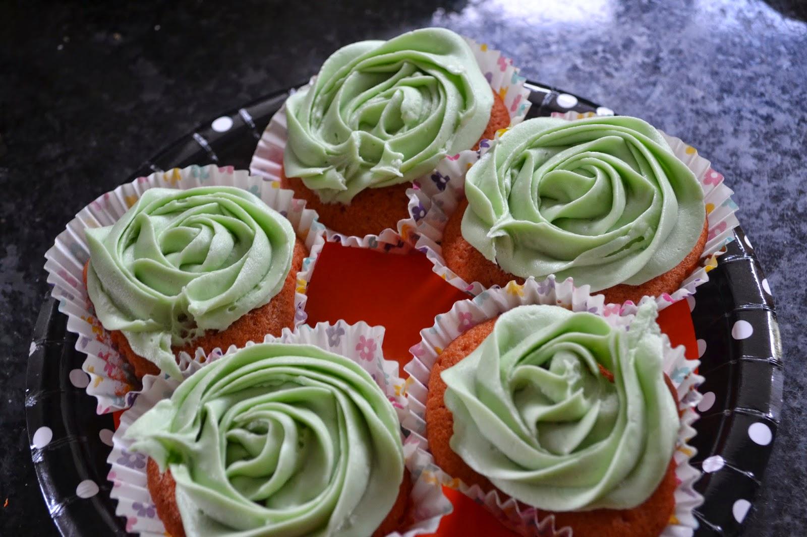 Rose Icing Halloween Cupcakes