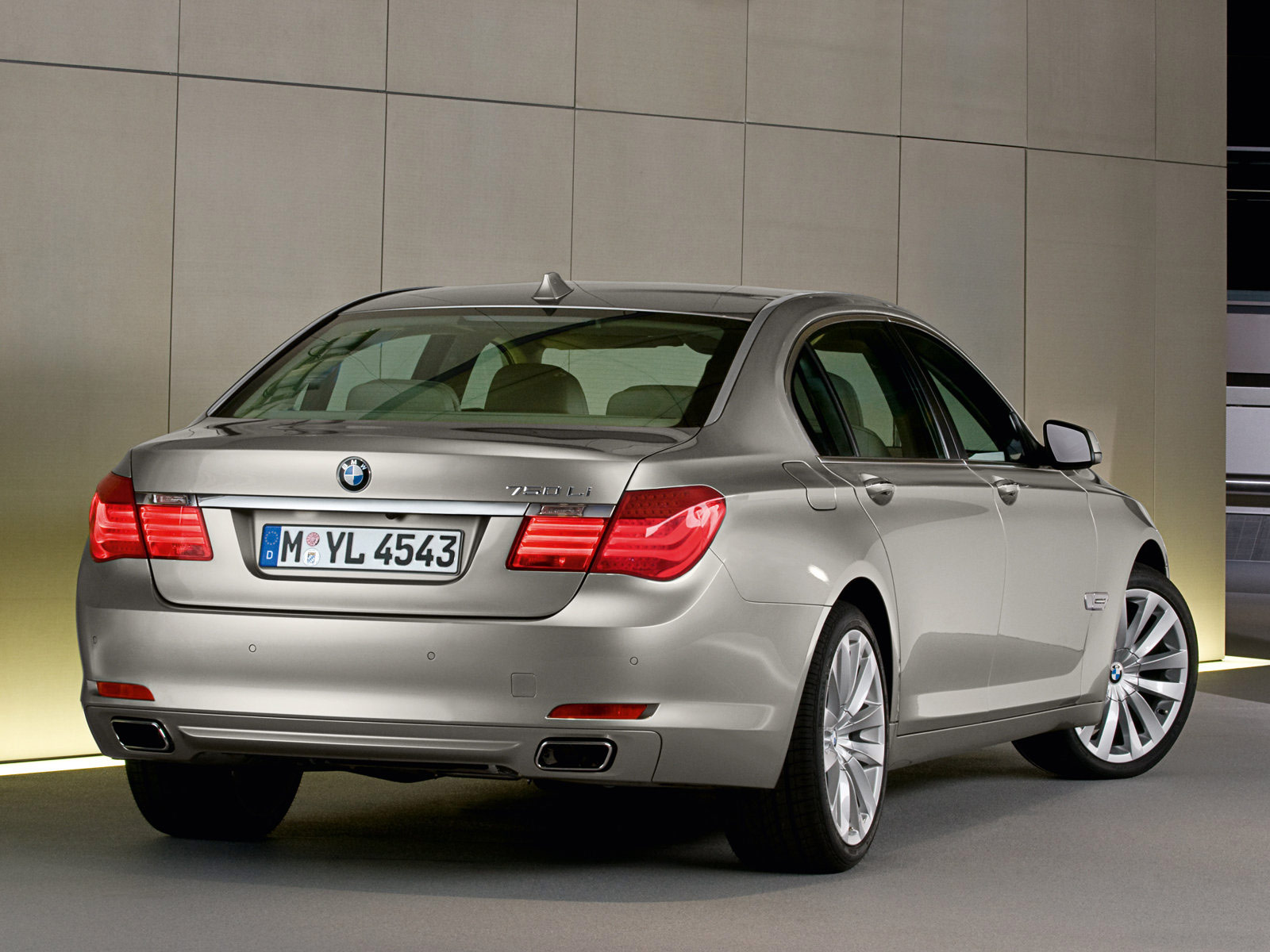 2009 BMW 7-Series | Gambar Mobil BMW
