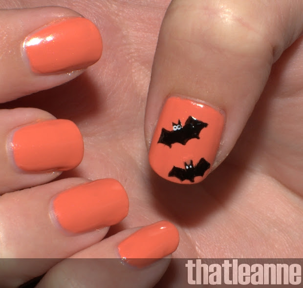 thatleanne simple halloween nail
