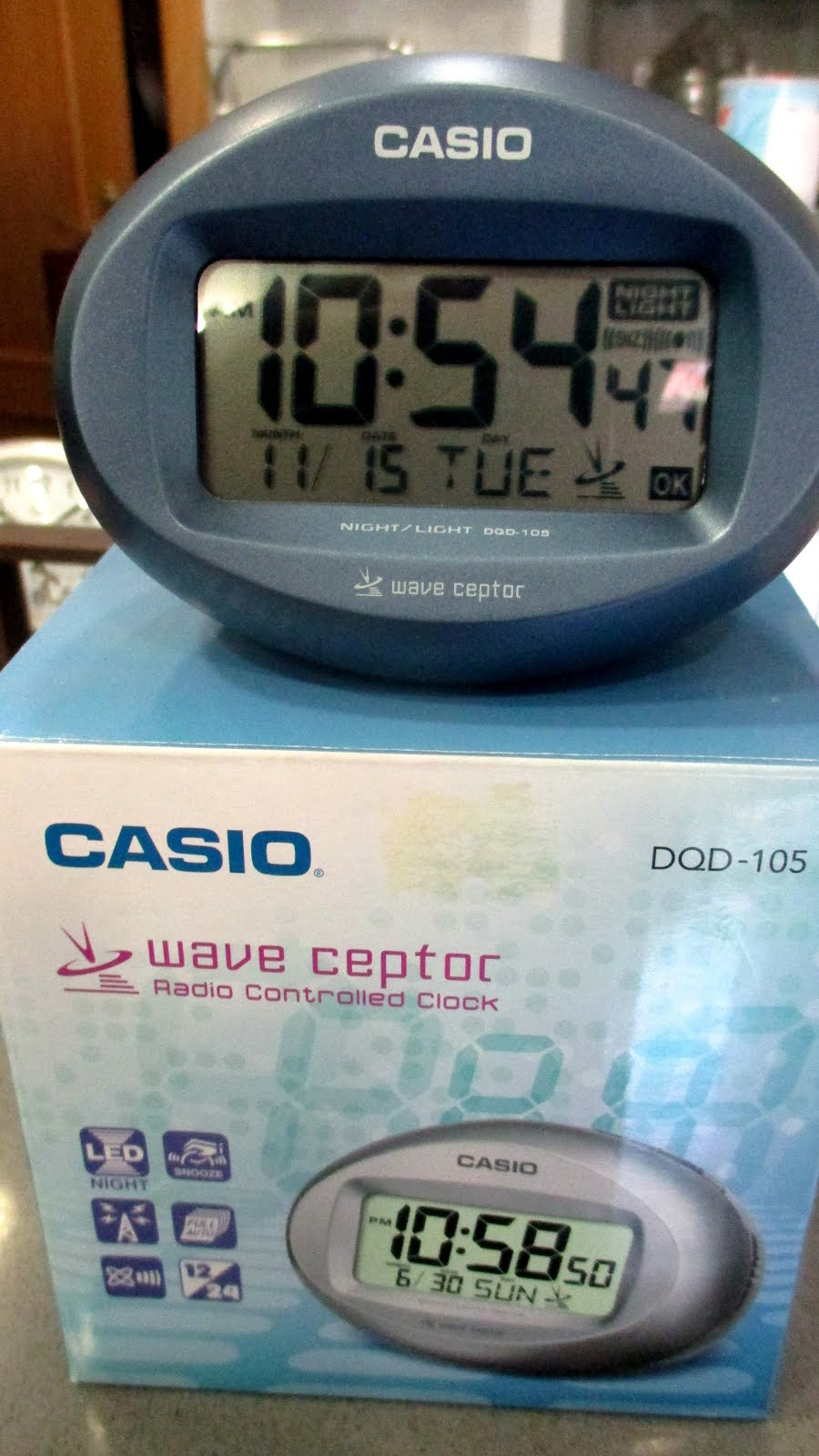 Despertador digital Casio, calendario, fecha, hora normal controlada por radio