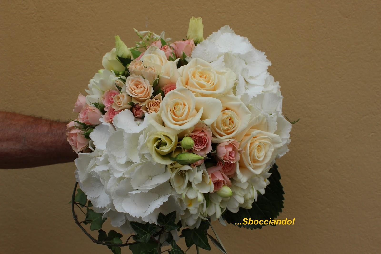 Bouquet Ortensie E Orchidee : Sbocciando bouquet da sposa