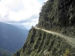 estrada louca e perigosa