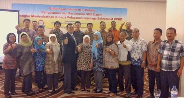 Peserta-bergambar-selepas-acara-Workshop-SOP-AP-DPRD- Kab Tangerang