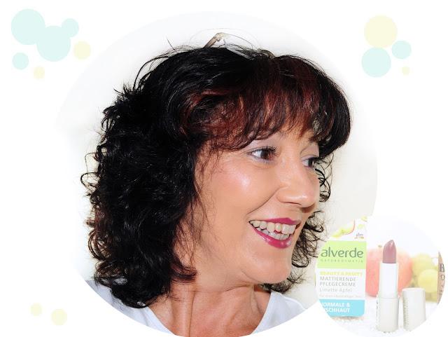 Make up Lippenstift Pflaumenrot