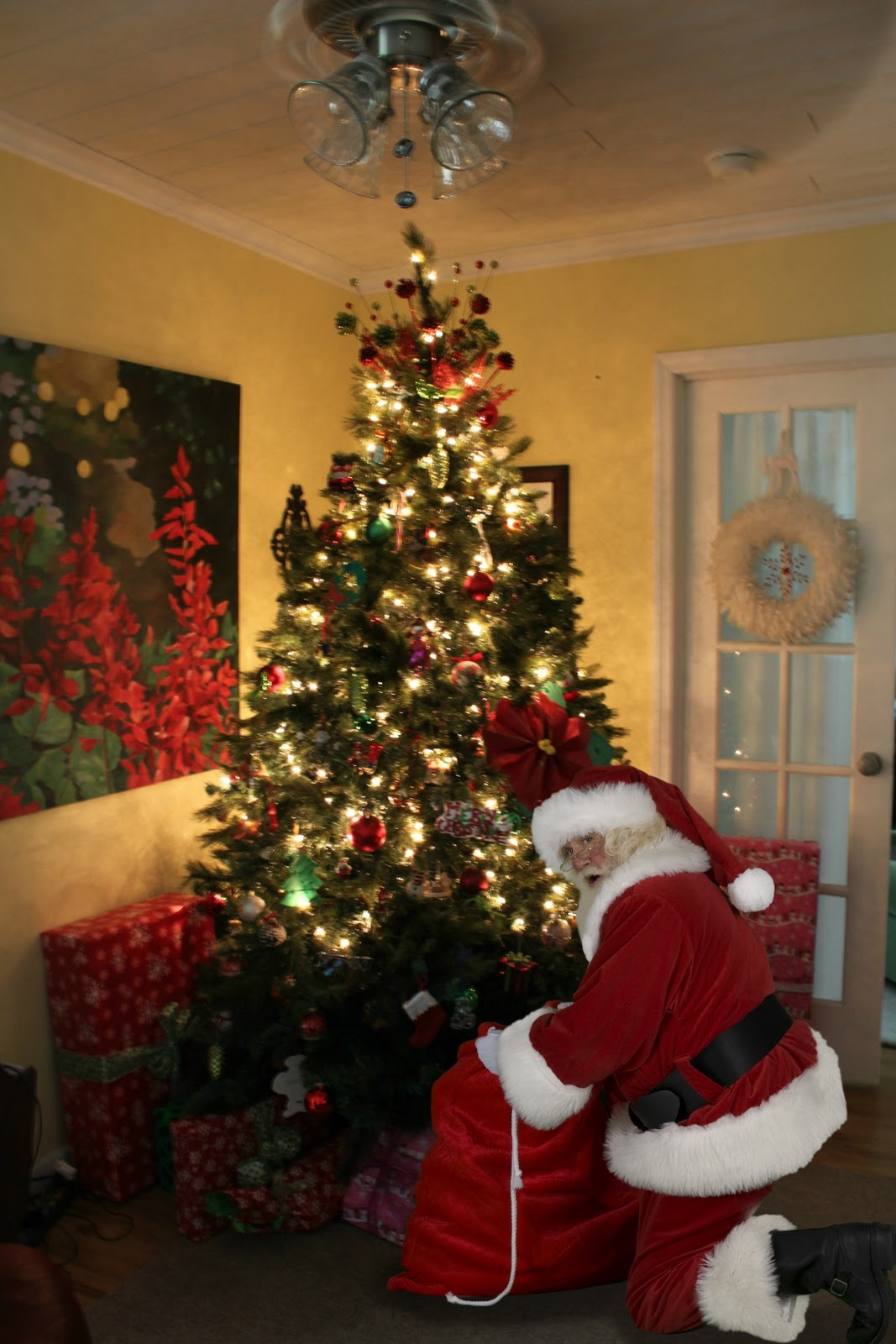 Create Your Santa Captured In Your Home Next Christmas HERE, You Can Also  Catch Other Holiday Legends Like The Easter Bunny OR The Tooth Fairy. Part 33