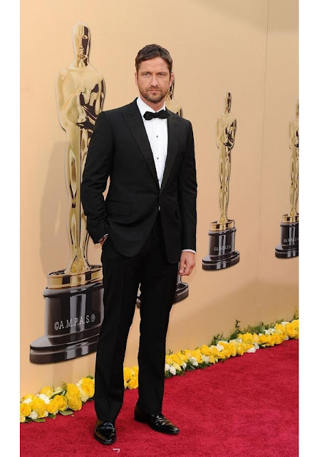 celebrity heights how tall are celebrities heights of celebrities how tall is gerard butler. Black Bedroom Furniture Sets. Home Design Ideas