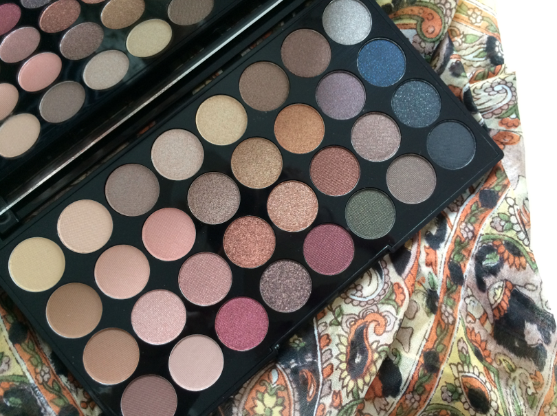UK beauty blogger, bblogger, beauty, review, makeup, makeup revolution, eyeshadow palette, swatch,