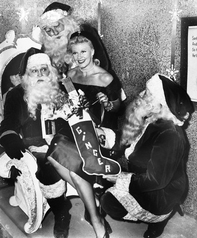 Lisa Papineau Actresses During Christmas Time Black