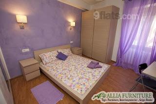 Warna Lilac ungu muda di kamar tidur
