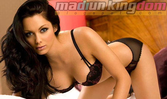 Foto Hot: Presenter Cantik Jessica Jane Tampil seronok
