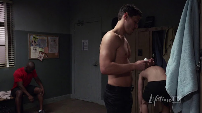 Brandon Quinn Shirtless in Against the Wall s1e06