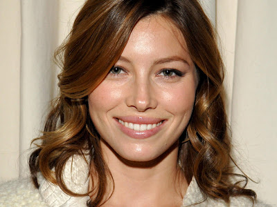 Jessica Biel Actress Wallpaper-605-1600x1200