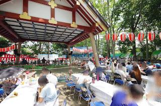 お祭り広場ステージ