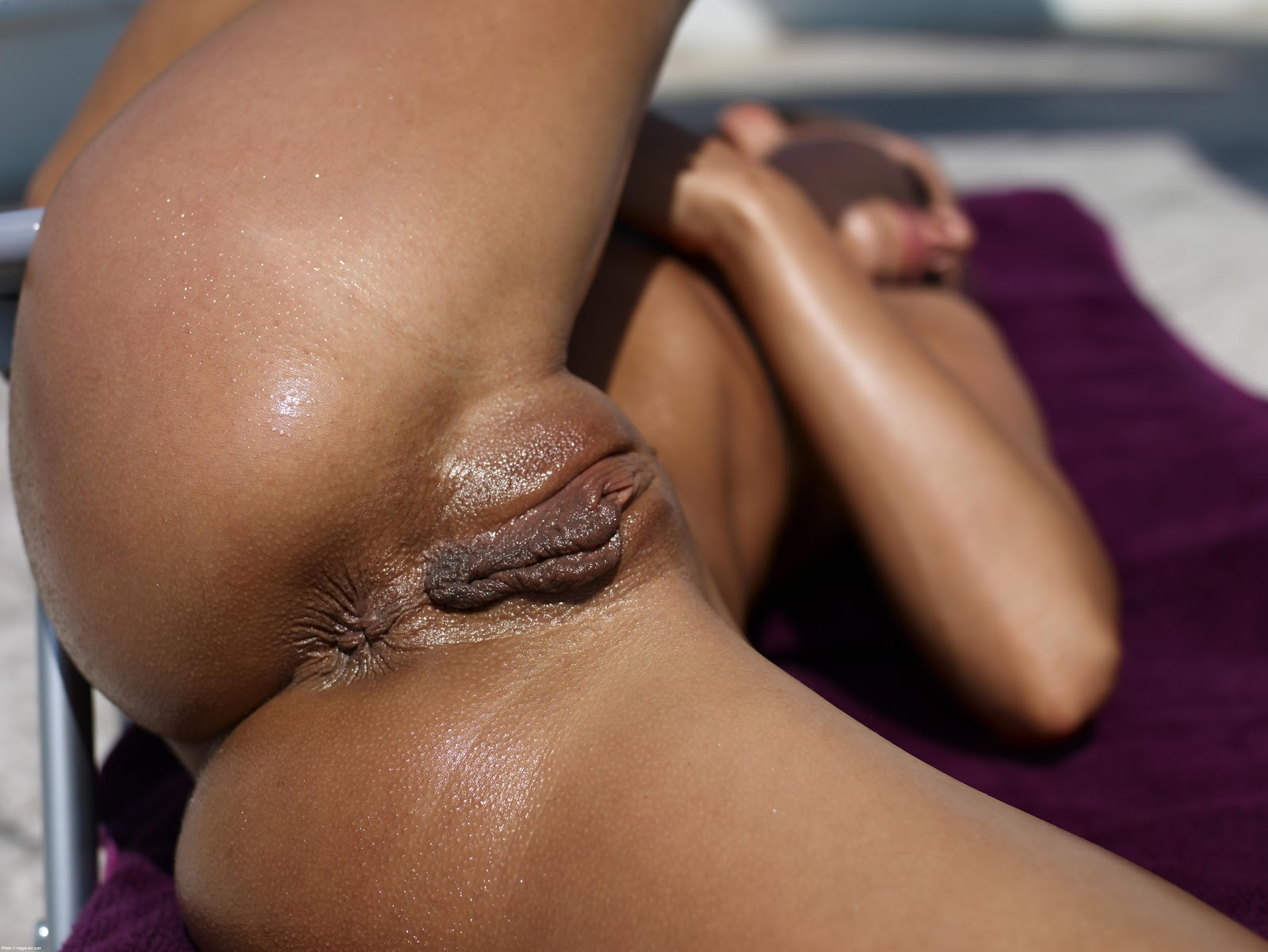 close-wet-pussy-and-ass