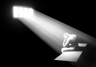 carcel, silencio, oscuridad, desesperación, soledad