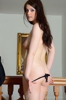 普通女性裸体 - rs-12g-730256.jpg