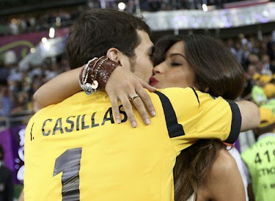 Iker y Sara Beso