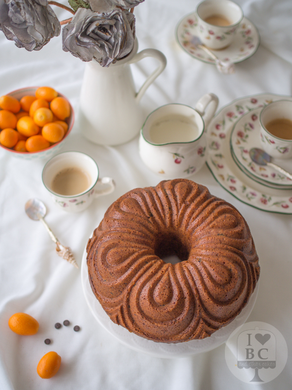 Bundt cake de Kumquats y chips de chocolate negro
