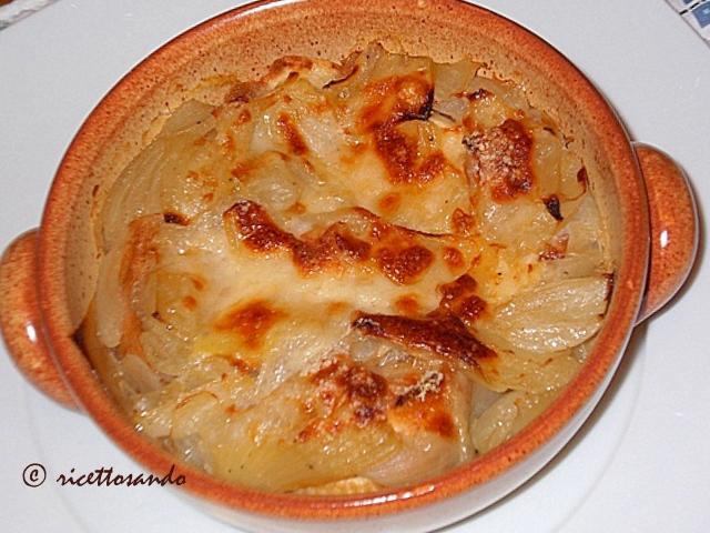 Zuppa di cipolle o soupe a' l'oignon gratinèe ricetta originale francese