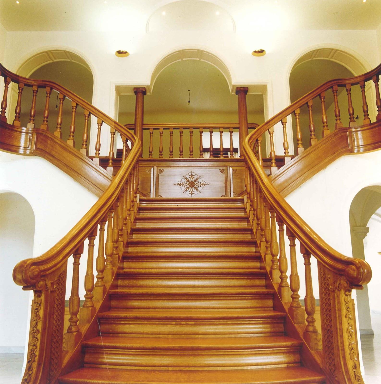 sculpture ornementale patrick damiaens d part d 39 escalier. Black Bedroom Furniture Sets. Home Design Ideas