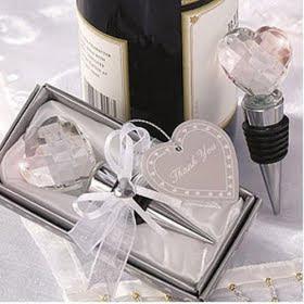 Lembrança de casamento abre garrafas