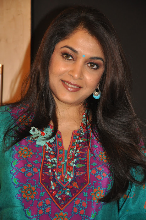 ramya krishna new look @ cinthol contest actress pics