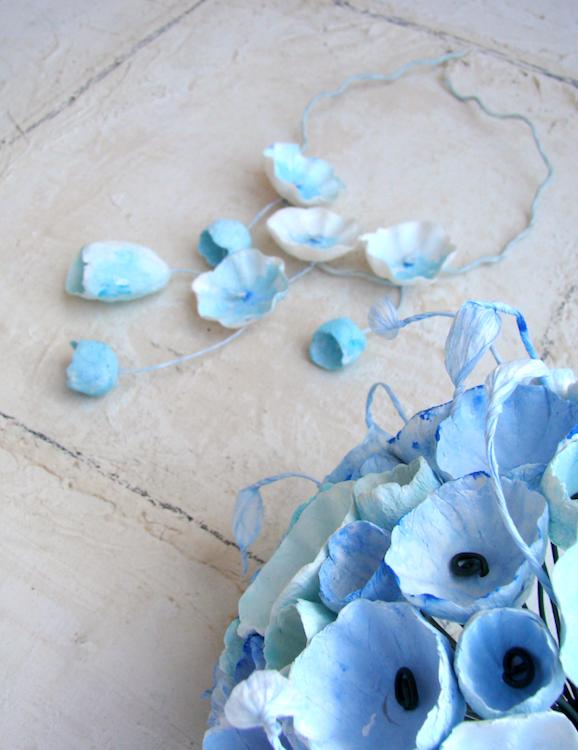 bouquet e collana per matrimonio con fiori di carta, nei colori turchese, acquamarina