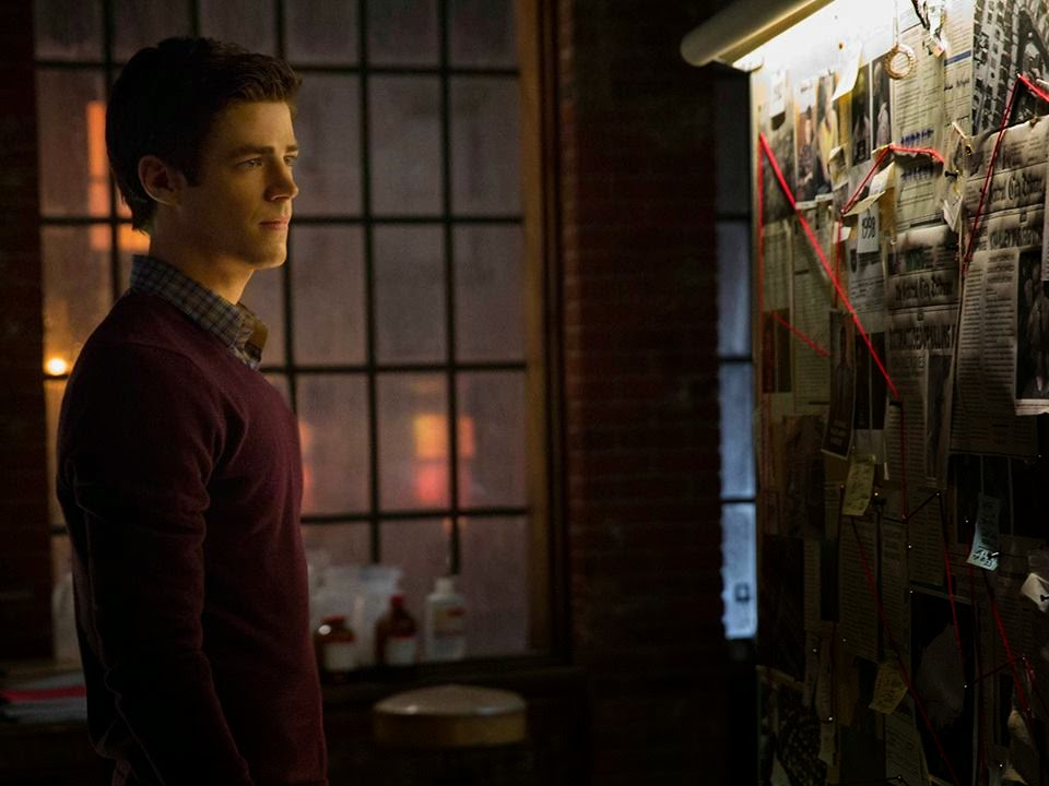 Grant Gustin as Barry Allen The Flash in CW The Flash Season 1 Episode 2 Fastest Man   Alive