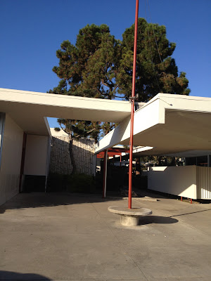 Neutra's Mariners Medical Arts Building