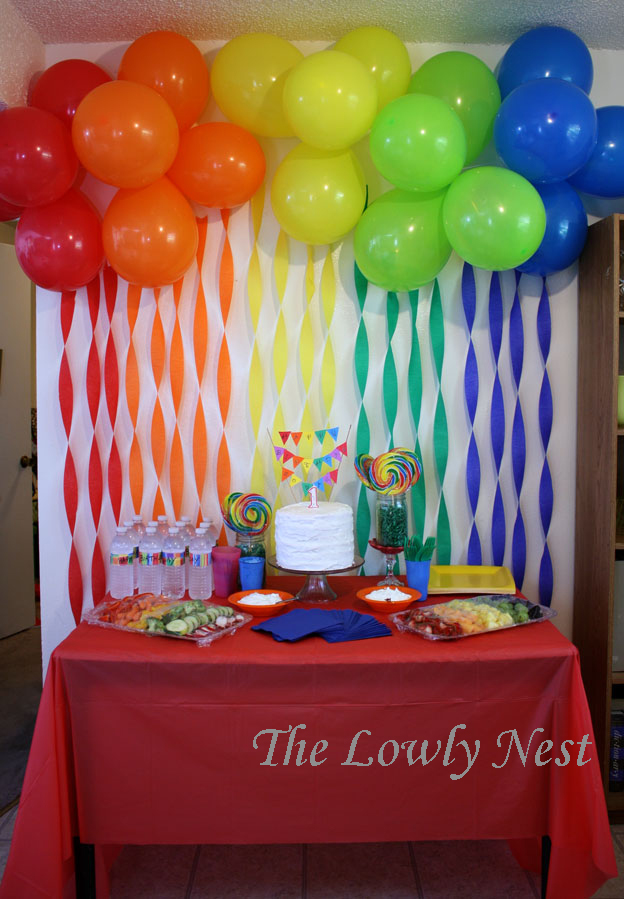 The lowly nest logan 39 s first birthday party for Balloon decoration for first birthday