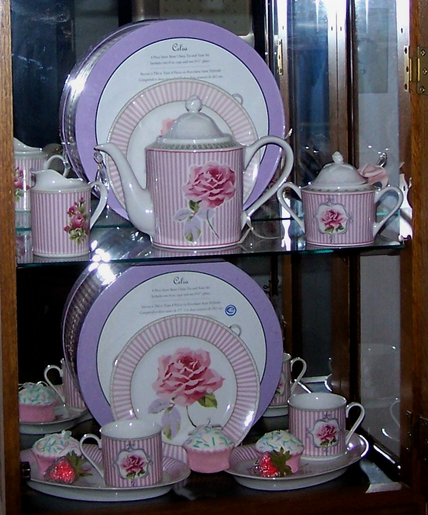 I believe the Laura Ashely - Celia porcelain has been discontinued. I have not seen it in any shops in years. I am vary happy that I have it in my ... & Tea Cottage Pretties: LAURA ASHLEY DINNERWARE