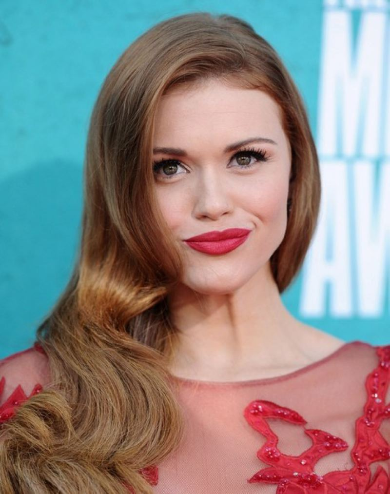 Holland Roden Mtv Movie Awards June