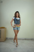 Komal Jha trendy Photo shoot Gallery-thumbnail-2