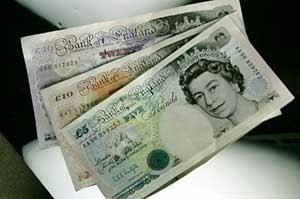 Mata Uang Inggris Tercemar Kokain