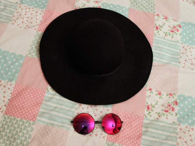 shopping haul purchases blog post topshop asos ebay etsy missguided big audrey hepburn hat sun sunglasses oil spill oversized round john lennon fashion alternative style