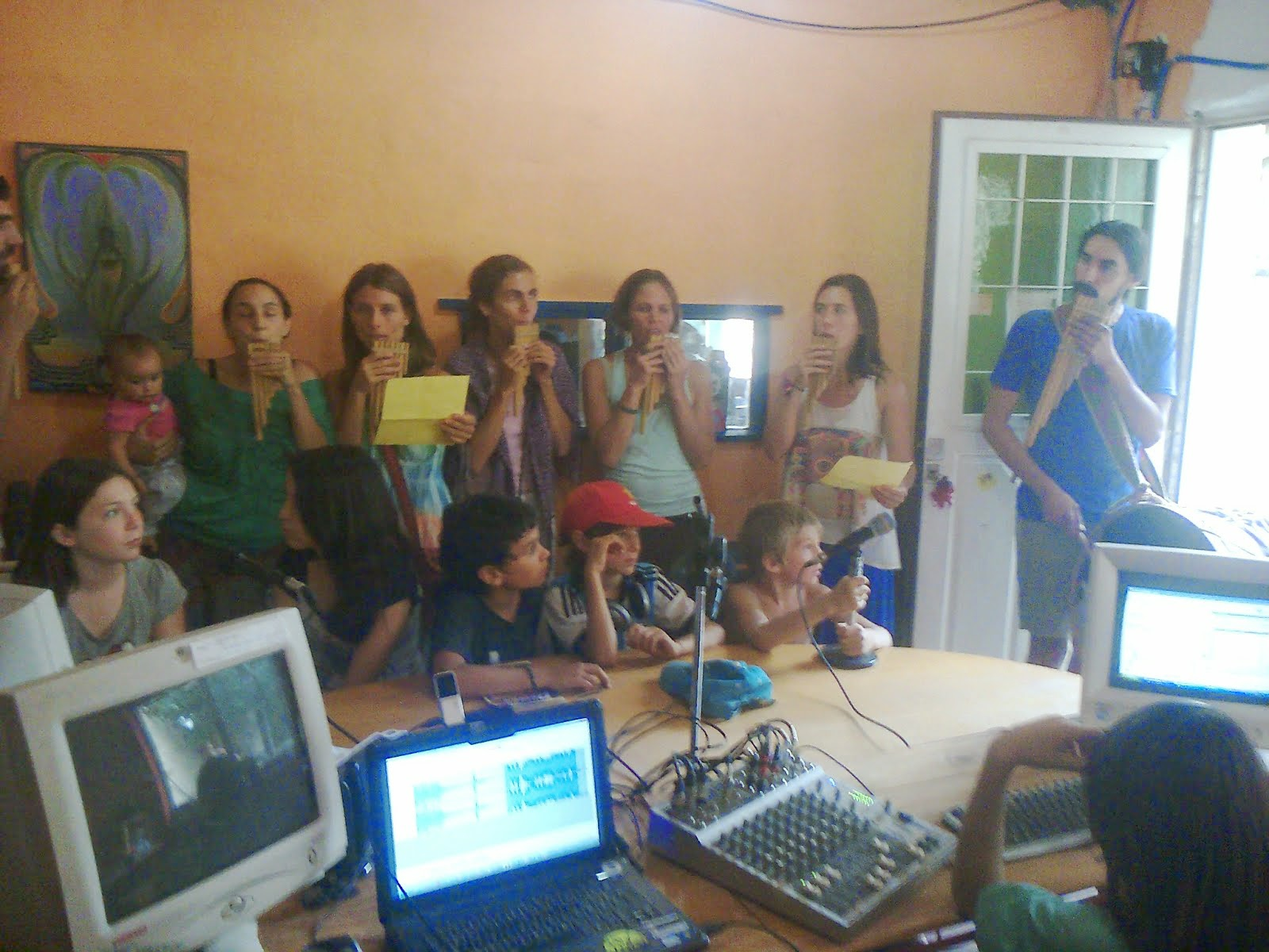Los Sikuris visitaron Pajarito Azul